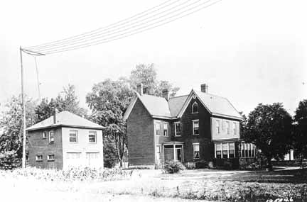 Frank Conrad's house and garage in 1920